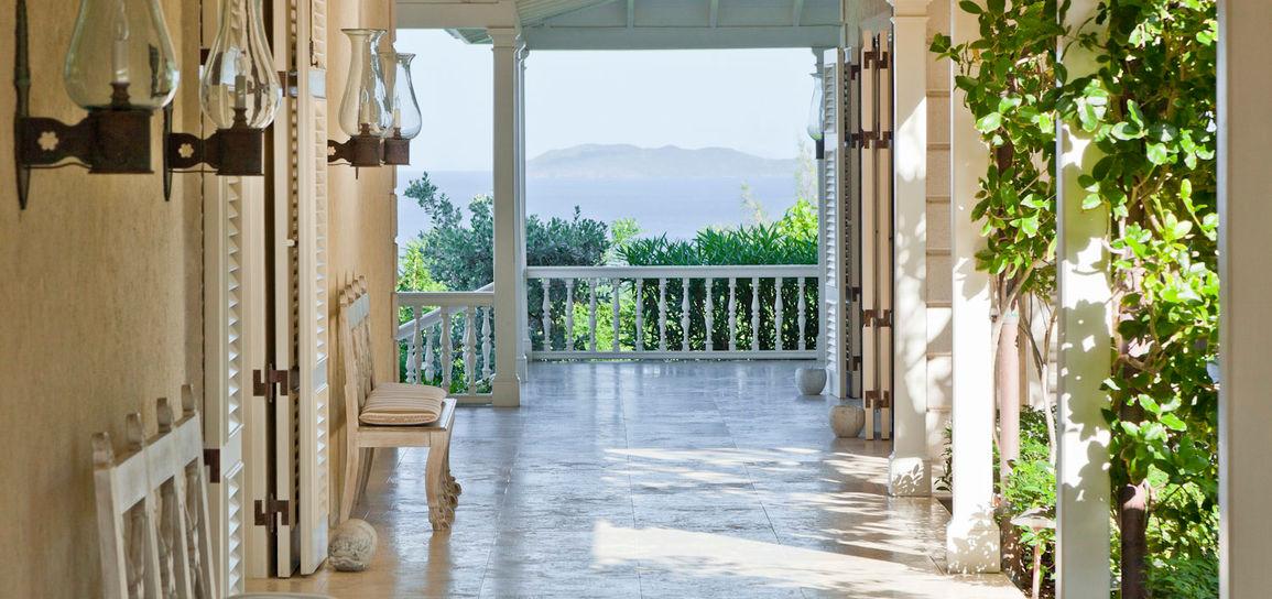 Villa de planteur, Moustique